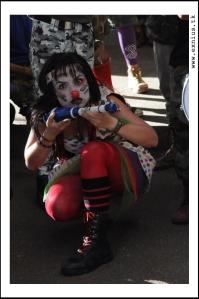 Protesta clown en contra del servicio militar obligatorio en la UT (17)
